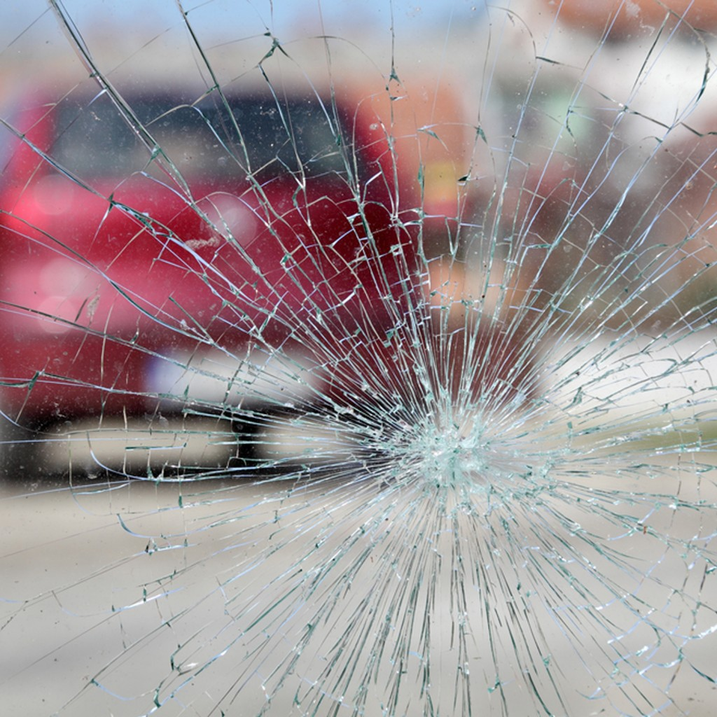 broken windscreens preston